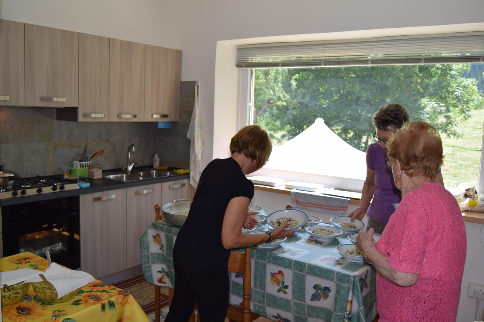 casa-domegge-cucina-piano-terra