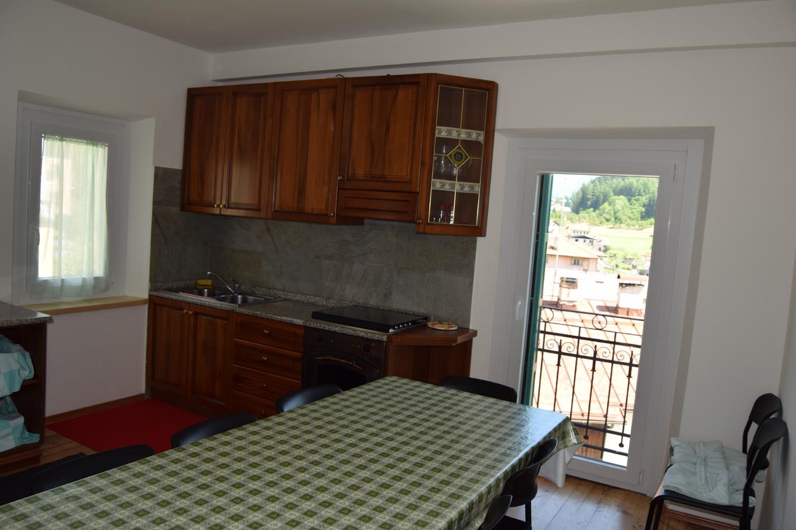 casa-domegge-cucina-al-piano